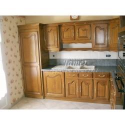 Cuisine rustique en bois angle droit